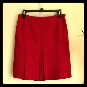 Ann Taylor red pleated skirt 6p